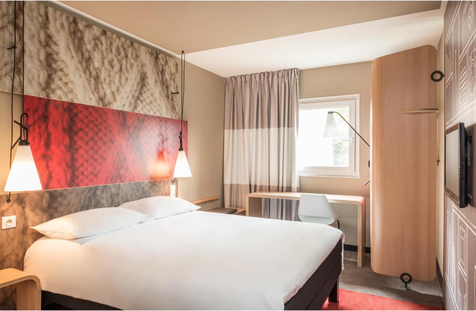 Beleggen in een ibis hotelkamer