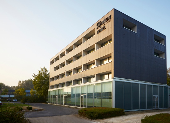 Het Kennedy Hotel in Kortrijk wordt door Creahotels omgetoverd in ibis Styles Kortrijk.