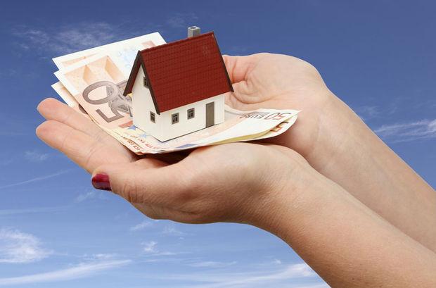 Wie een woning koopt en die binnen de twee jaar weer verkoopt, kan de betaalde registratierechten terugkrijgen.
